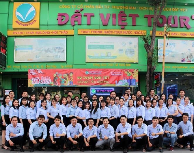 Đội ngũ nhân viên của Đất Việt Tour