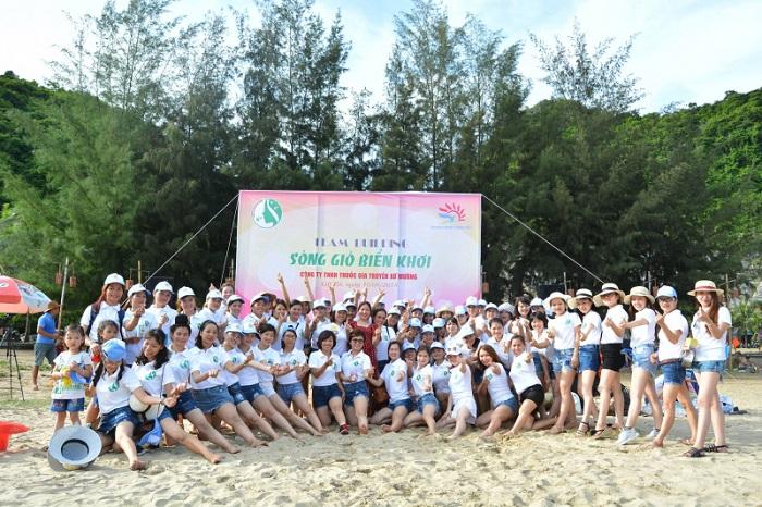 Đoàn du lịch của Công ty Du lịch Khát Vọng Việt
