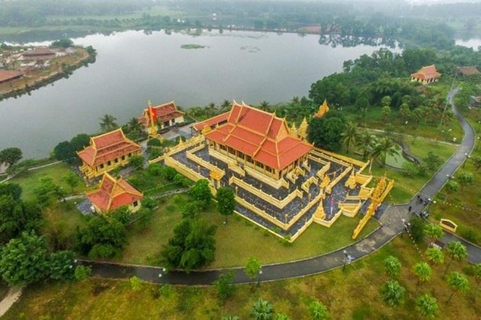 Làng văn hóa - địa điểm tổ chức tour du lịch cho lớp trong ngày gần Hà Nội
