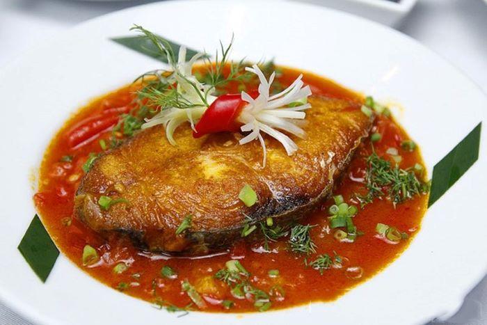 Một trong những cách chế biến cá thu một nắng thông dụng nhưng lại rất bắt cơm dành cho tất cả mọi người, kể cả trẻ nhỏ cũng thích đó chính là món cá thu một nắng sốt cà chua.