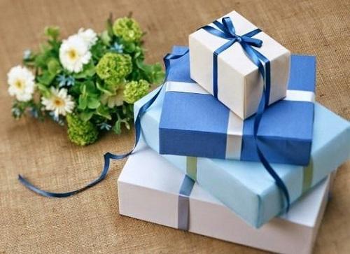 Một món quà ý nghĩa cho bạn gái mới quen giúp thể hiện sự chân thành, làm cho tình cảm cả cả hai thêm sâu đậm
