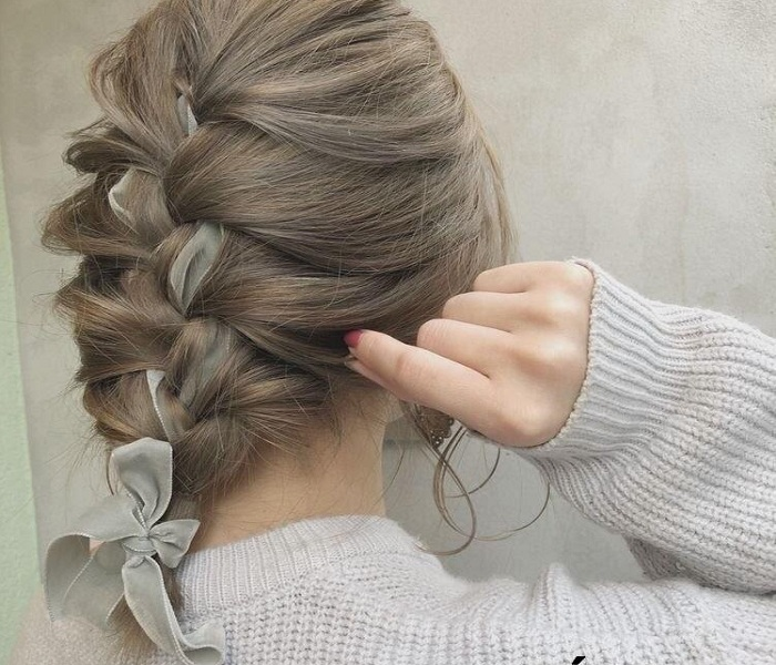 những kiểu tóc khiến bạn trẻ hơn