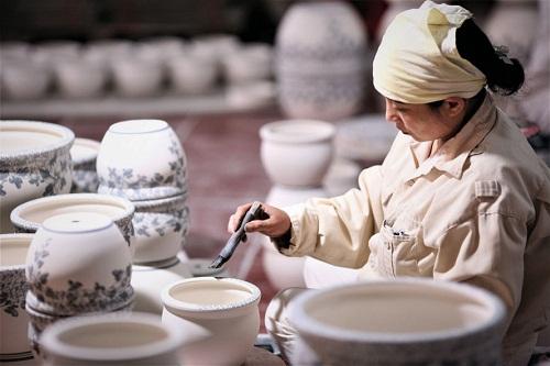 Nghề làm gốm ở làng Bát Tràng, Gia Lâm
