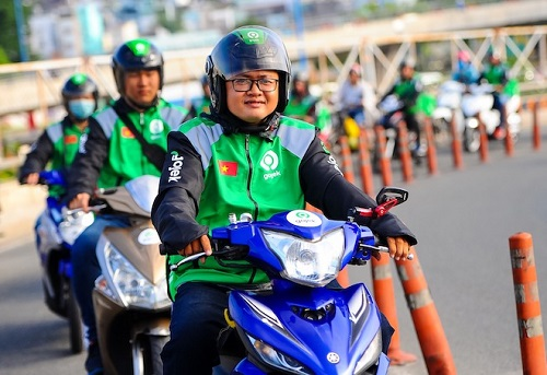 Tài xế Grabbike hay Gojek có thời gian rất linh hoạt và là một trong những nghề lương cao mà không cần bằng cấp