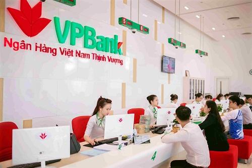 Với sự tận tụy, chuyên nghiệp, đơn giản mà khác biệt, VPBank đã có những bước phát triển vững chắc trên suốt chặng đường của mìnhVới sự tận tụy, chuyên nghiệp, đơn giản mà khác biệt, VPBank đã có những bước phát triển vững chắc trên suốt chặng đường của mình