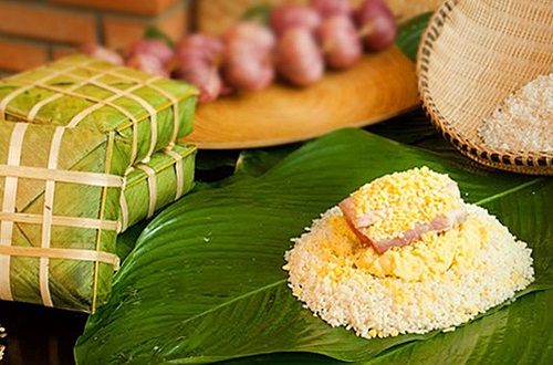 Bánh chưng Tranh Khúc đặc sản Hà Nội được bán tại Sài Gòn