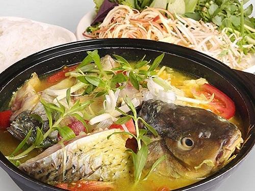 Món cá nấu canh chua được yêu thích vào mùa hè