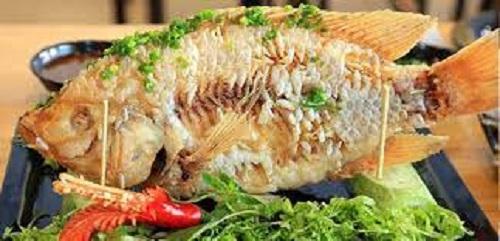 Món cá chép chiên giòn nhìn hấp dẫn