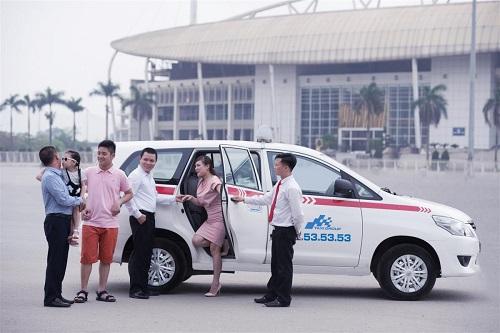 chọn nghề tài xế taxi là một lựa chọn đúng đắn cho những ai không theo đuổi con đường đại học