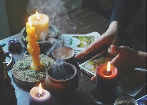 Xem bói là một phương pháp tâm linh
