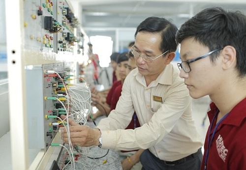 nhu cầu tuyển dụng các kỹ sư viễn thông luôn không ngừng tăng lên